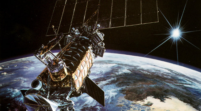 Artistic concept of a satellite of the DMSP constellation in orbit (Image US Air Force)