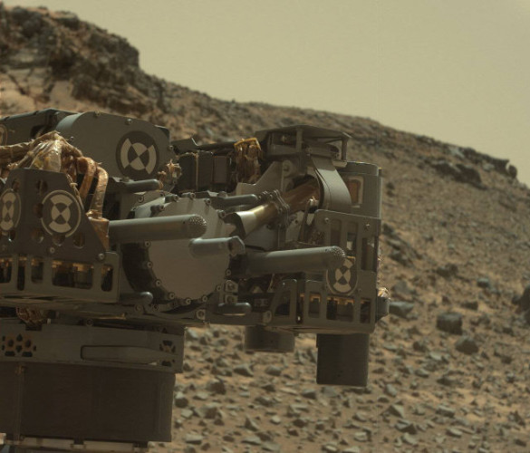 Picture taken by the Mars Rover Curiosity's Mast Camera (Mastcam) during a drill at Telegraph Peak (Photo NASA/JPL-Caltech/MSSS)