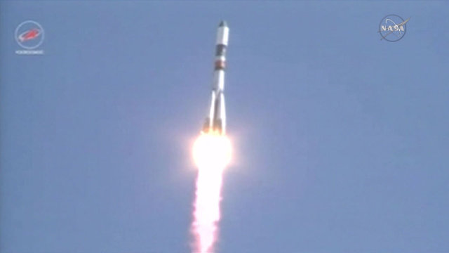 The Russian spacecraft Progress M-28M blasting off atop a Soyuz U rocket (Image NASA TV)