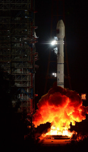 A Long March 3B rocket blasting off, officially carrying the TXJSSY-1 satellite (Photo courtesy Xinhua agency. All rights reserved)