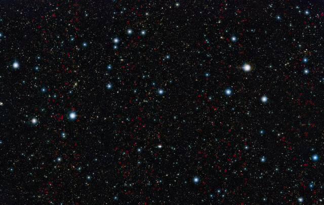 The early massive galaxies just discovered marked in red circles (Image ESO/UltraVISTA team. Acknowledgement: TERAPIX/CNRS/INSU/CASU)