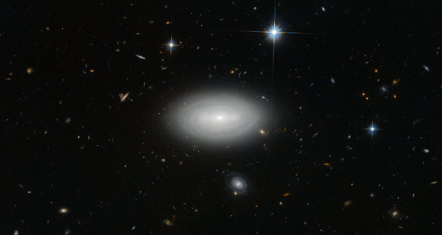 The galaxy MCG+01-02-015, also known as LEDA 1852 (Photo ESA/Hubble & NASA and N. Grogin (STScI), Acknowledgement: Judy Schmidt)