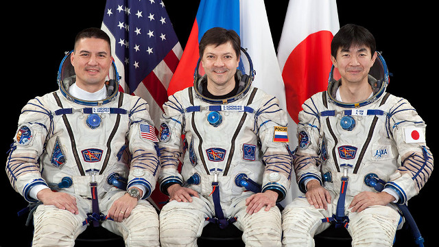 Kjell Lindgren, Oleg Kononenko and Kimiya Yui (Photo NASA)