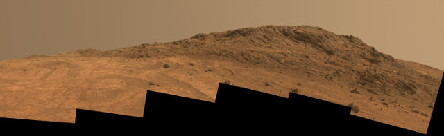 Image of Hinners Point, an area of Marathon Valley, obtained combining six photos taken by the Mars Rover Opportunity (Image NASA/JPL-Caltech/Cornell Univ./Arizona State Univ.)
