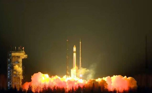 The Sentinel-3A blasting off atop a Rockot launch vehicle (Photo ESA)