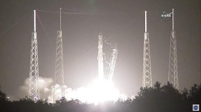 SpaceX Dragon cargo spacecraft starting its CRS-9 mission blasting off atop a Falcon 9 rocket (Image NASA)