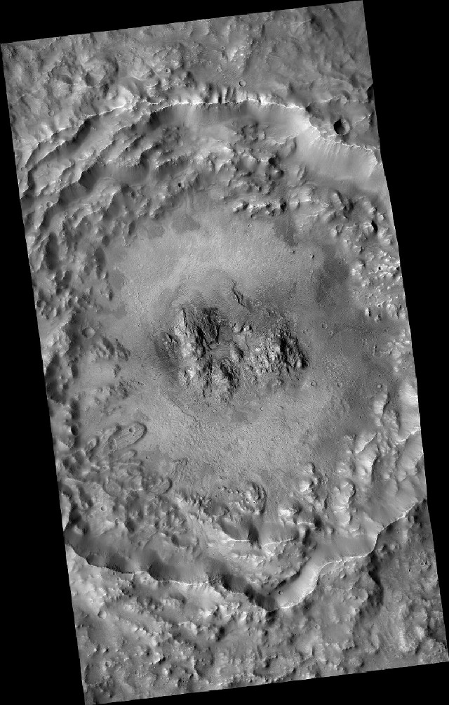 The Auki crater seen by the MRO space probe (Image NASA)