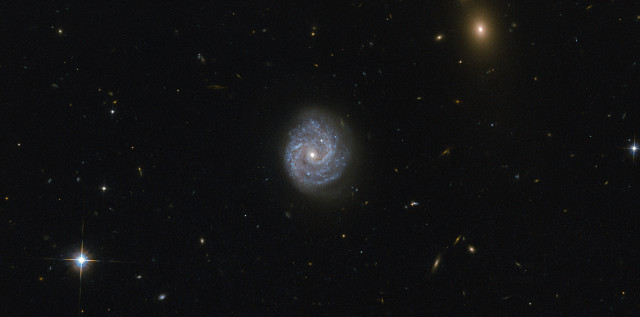 The galaxy RX J1140.1+0307 (Photo ESA/Hubble & NASA. Acknowledgement: Judy Schmidt)