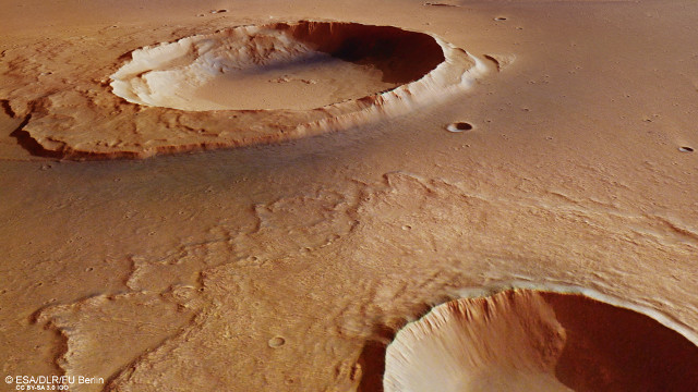 Perspective view towards Worcester crater (Image ESA/DLR/FU Berlin, CC BY-SA 3.0 IGO)