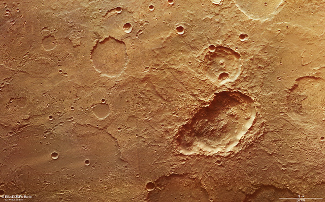 The triple crater in the Terra Sirenum region on Mars (Image ESA/DLR/FU Berlin, CC BY-SA 3.0 IGO)