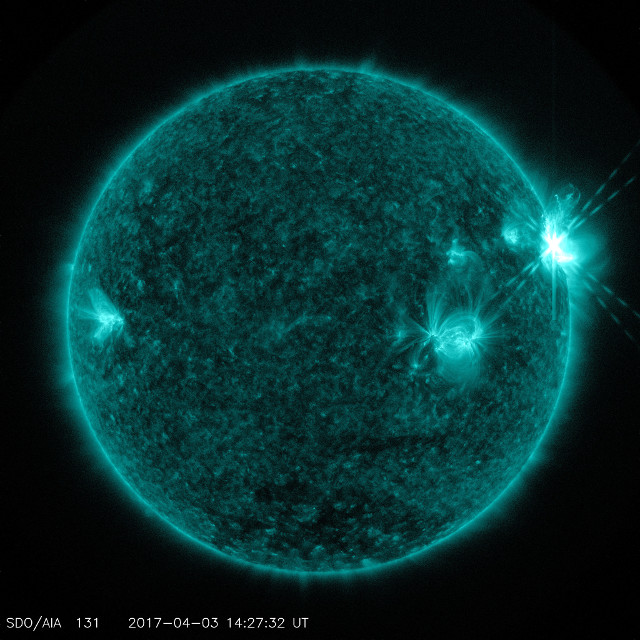 The Sun at the third flare's peak (Photo NASA/SDO)