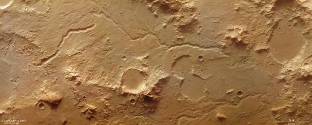Libya Montes (Image ESA/DLR/FU Berlin, , CC BY-SA 3.0 IGO)