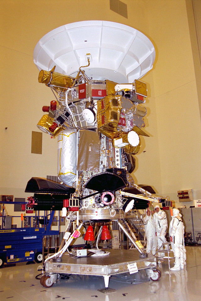 The Cassini space probe during the assembly phase (Photo NASA/JPL)