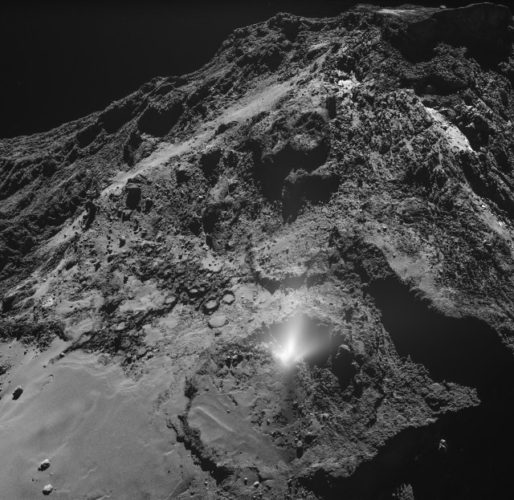 Plume on comet 67P/Churyumov-Gerasimenko (Image ESA/Rosetta/MPS for OSIRIS Team MPS/UPD/LAM/IAA/SSO/INTA/UPM/DASP/IDA)