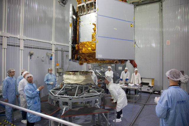 The Sentinel-5P satellite during its preparation (Photo ESA)