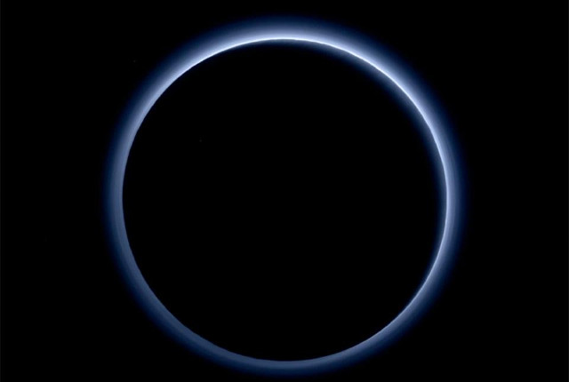 Pluto and its atmosphere (Image NASA/JHUAPL/SwRI)