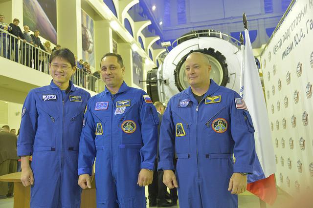Norishige Kanai, Anton Shkaplerov and Scott Tingle (Photo NASA/Elizabeth Weissinger)