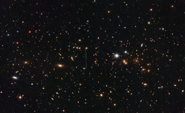 El Gordo (Image ESA/Hubble & NASA, RELICS)