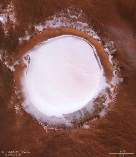 Korolev crater (Image ESA/DLR/FU Berlin, CC BY-SA 3.0 IGO)