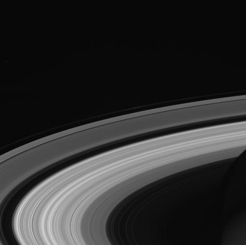 The vibrations of Saturn's rings used to reconstruct the impacts on the planet