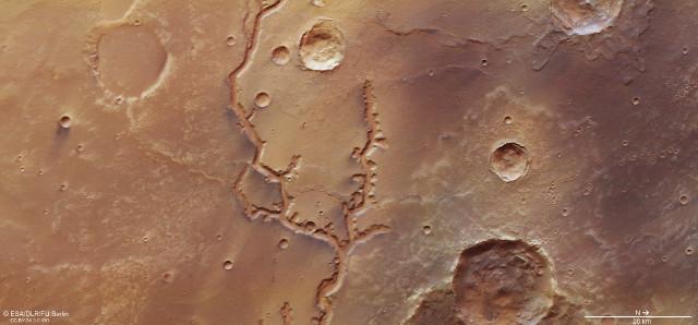 Nirgal Vallis on Mars (Image ESA/DLR/FU Berlin, CC BY-SA 3.0 IGO)