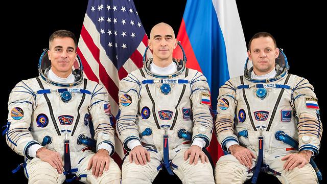 Chris Cassidy, Anatoly Ivanishin e Ivan Vagner (Photo NASA)