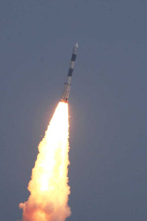 Astrosat blasting off atop a PSLV-XL rocket (Photo courtesy ISRO. All rights reserved)