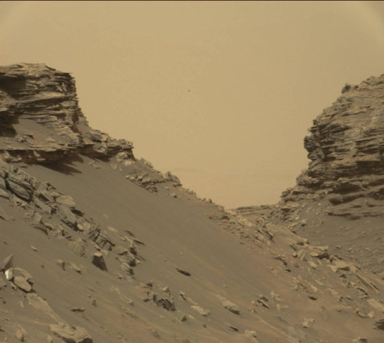 Sloping buttes and layered outcrops within the Murray Buttes (Image NASA/JPL-Caltech/MSSS)