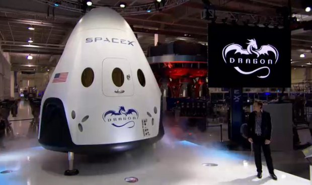 The Dragon V2 spacecraft presented by Elon Musk (Photo courtesy SpaceX. All rights reserved)