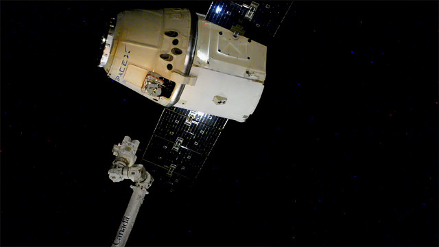 The Dragon cargo spacecraft departing the International Space Station (Image NASA)
