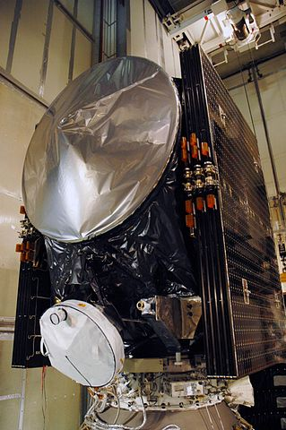 The Dawn space probe during its preparation (Photo NASA/Amanda Diller)