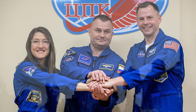 Christina Koch, Alexey Ovchinin and Nick Hague (Photo NASA/Bill Ingalls)