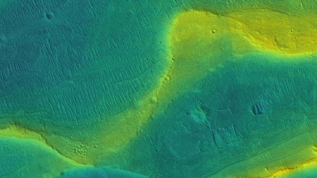 A preserved river channel on Mars (Image NASA/JPL/Univ. Arizona/UChicago)