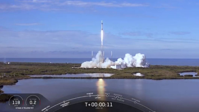 The Dragon cargo spacecraft starting its CRS-18 mission blasting off atop a Falcon 9 rocket (Image courtesy SpaceX)