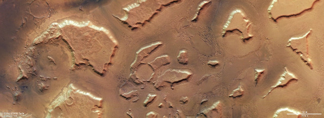 Remains of glaciers that sculpted the territory of Deuteronilus Mensae on Mars