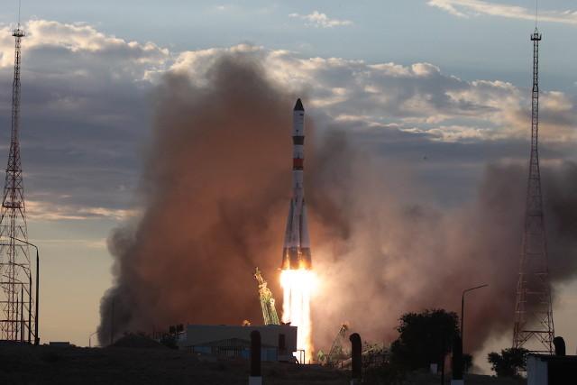 The Progress MS-15 cargo spacecraft blasting off atop a Soyuz 2.1a rocket (Photo courtesy Roscosmos)