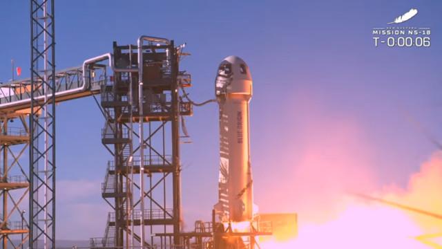 The New Shepard rocket blasting off in its NS-18 flight (Image courtesy Blue Origin)